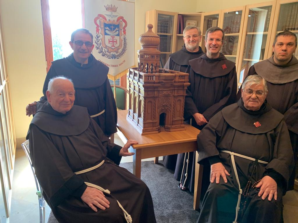 The Franciscan Friars of the General Commissariat of Naples in 2020. From left: Br. Carlo Cecchitelli, Br. Francois Mairè, Br. Giuseppe Maria Gaffurini, the General Commissioner Br. Sergio Galdi, Br. Antonio D'aniello, Br. Francesco Manzo